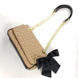 Betsy Johnson   Hearts & Bow Quilted Crossbody Bag